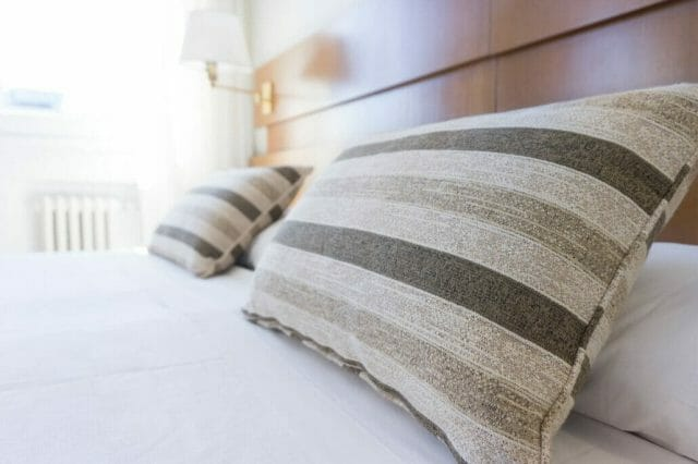 Best-Pillow-for-Lower-Back-Pain